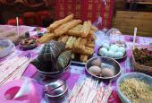 """灵山夜宵街的""""三块钱自助餐""""是我的最爱!"""