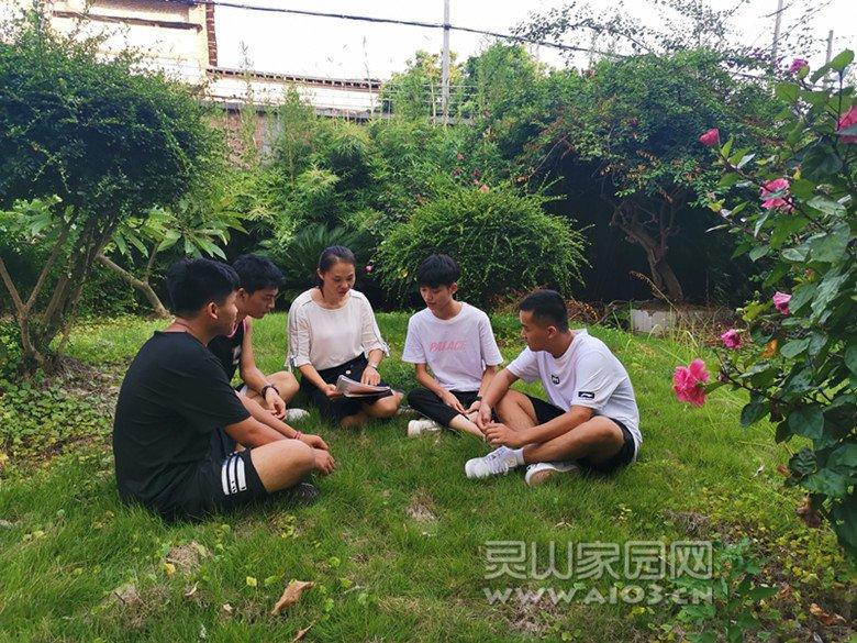 灵山县第二中学教师蒙绍真微信图片_20200911073439.jpg