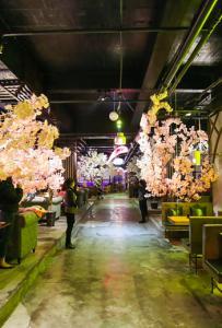 【美食探店19】灵山唯一一家超长空中走廊coffee 靓爆镜了!据说好...