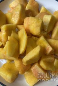 吃桃子的季节到了