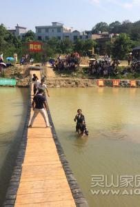 最近爆红灵山人朋友圈的网红桥,我也体验了一把,好玩!