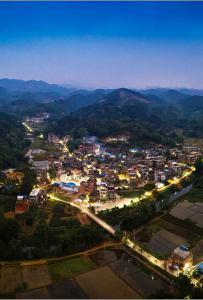 丰塘镇修竹村夜景